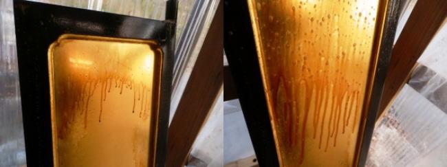 金仏壇の外扉の洗浄の様子